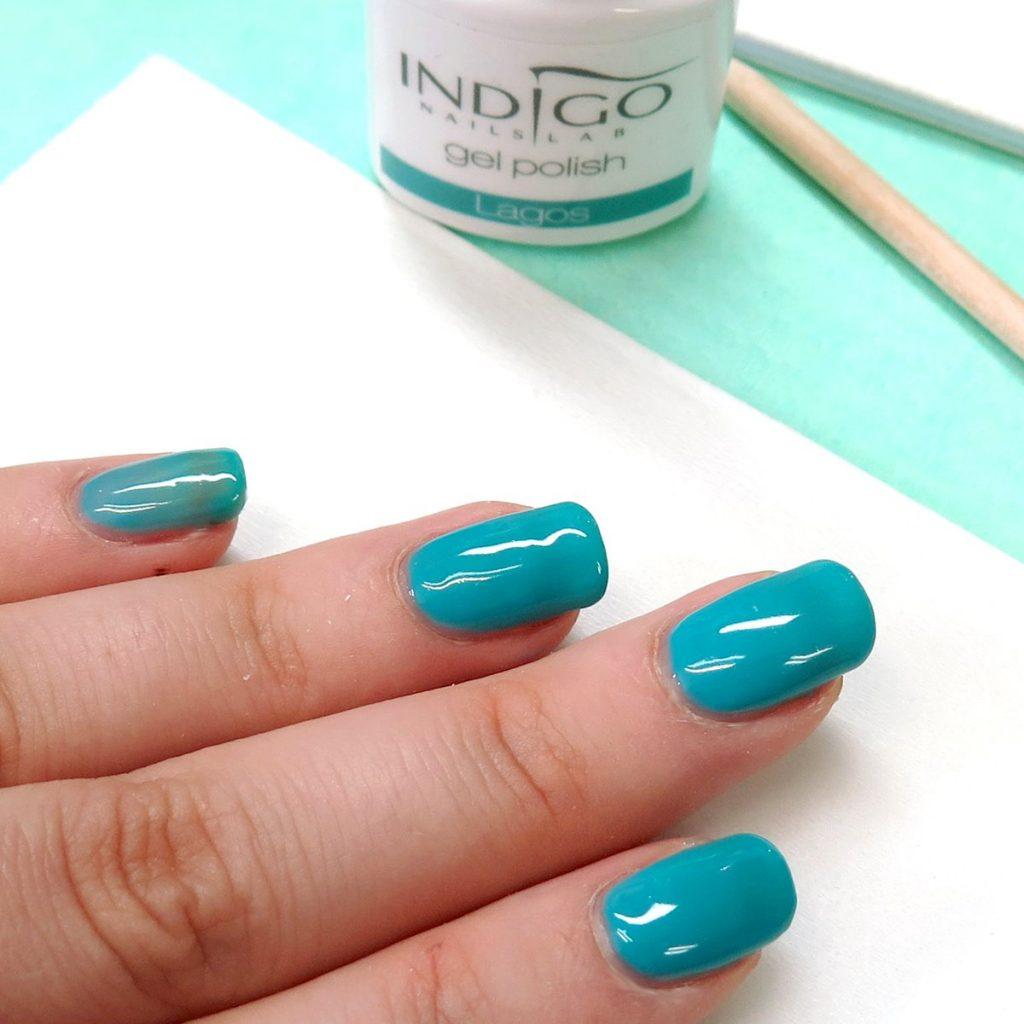 turkusowy zielony morski lakier hybrydowy na każdą porę roku gel polish piękny
